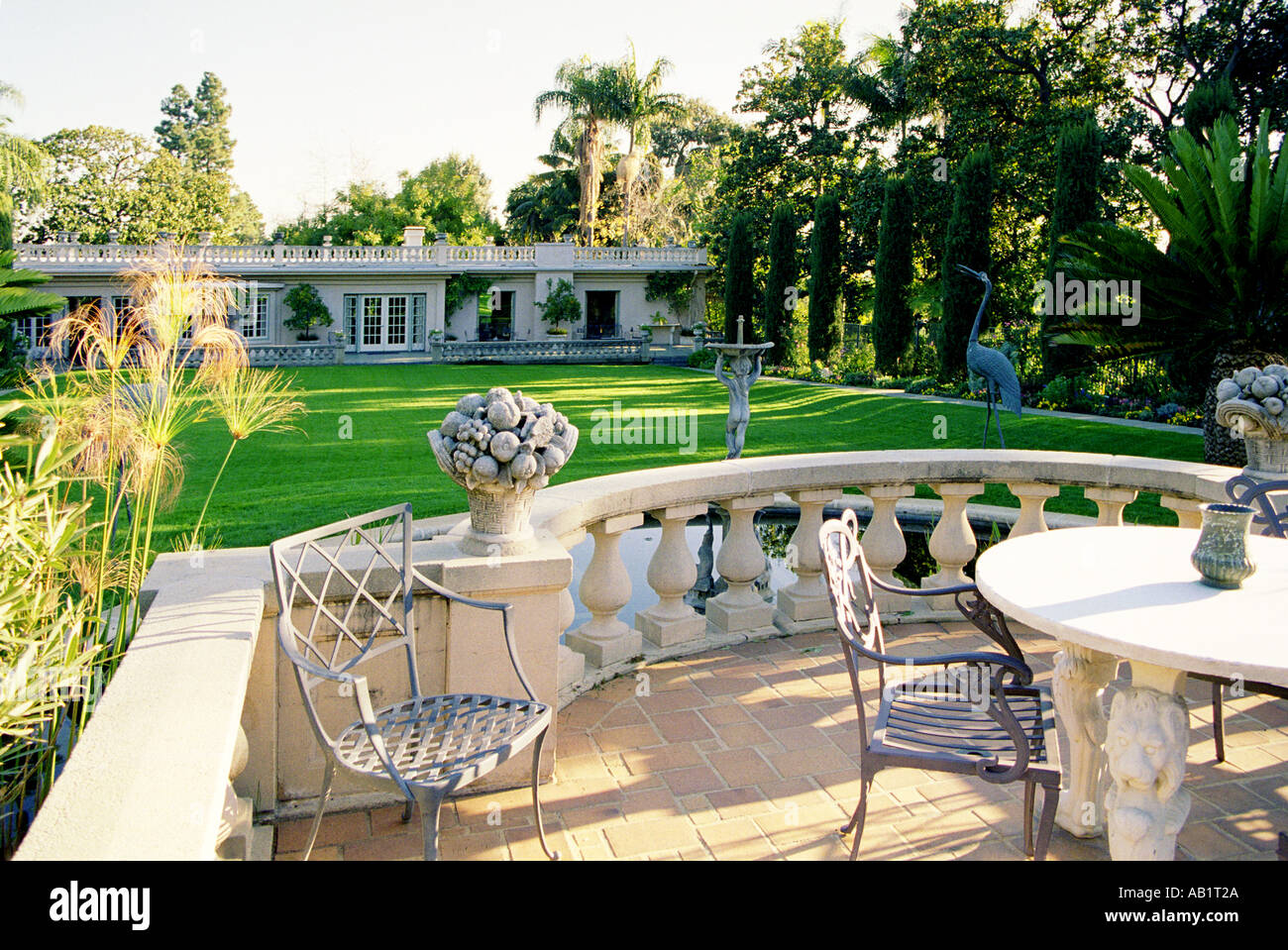 Rich Californian House In Beverly Hills Swimming Pool