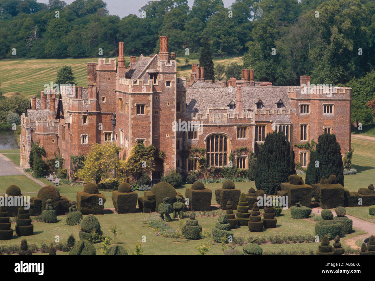 Stone Tudor House compton wynyates tudor pink brick manor house dates from 1480 fine