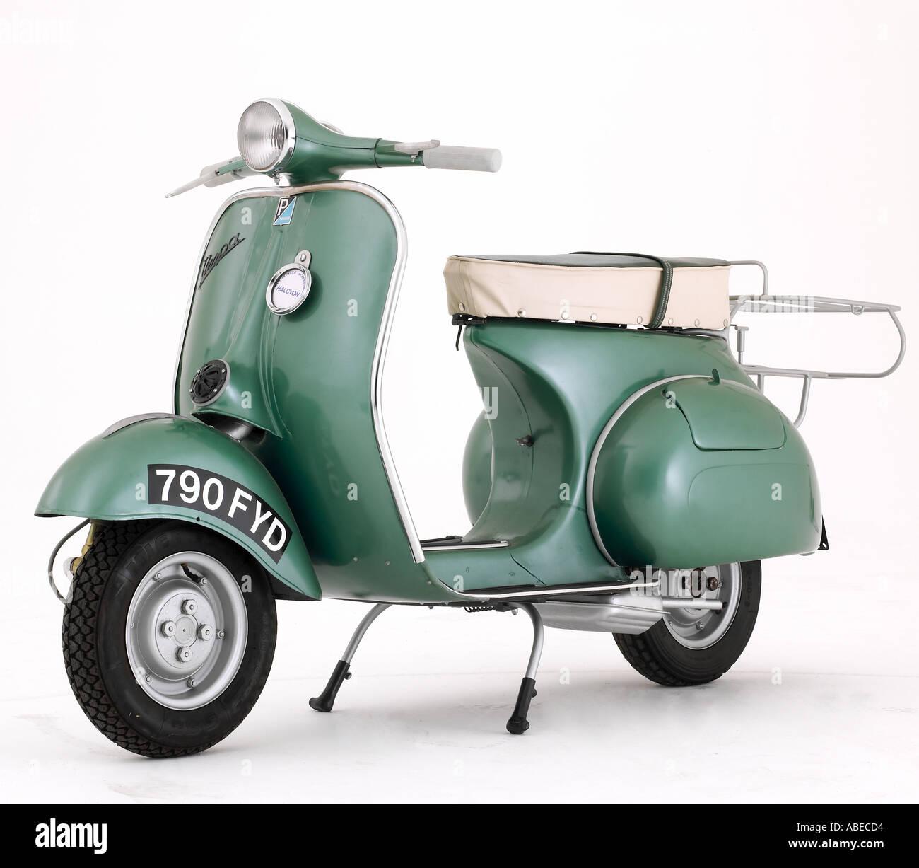 image gallery 1950 vespa scooters. Black Bedroom Furniture Sets. Home Design Ideas