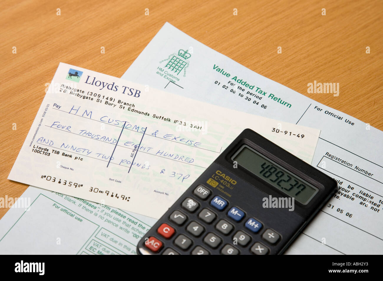 Vat Return Form, Calculator And Cheque Made Out To Hm Customs & Excise  Stock Uk