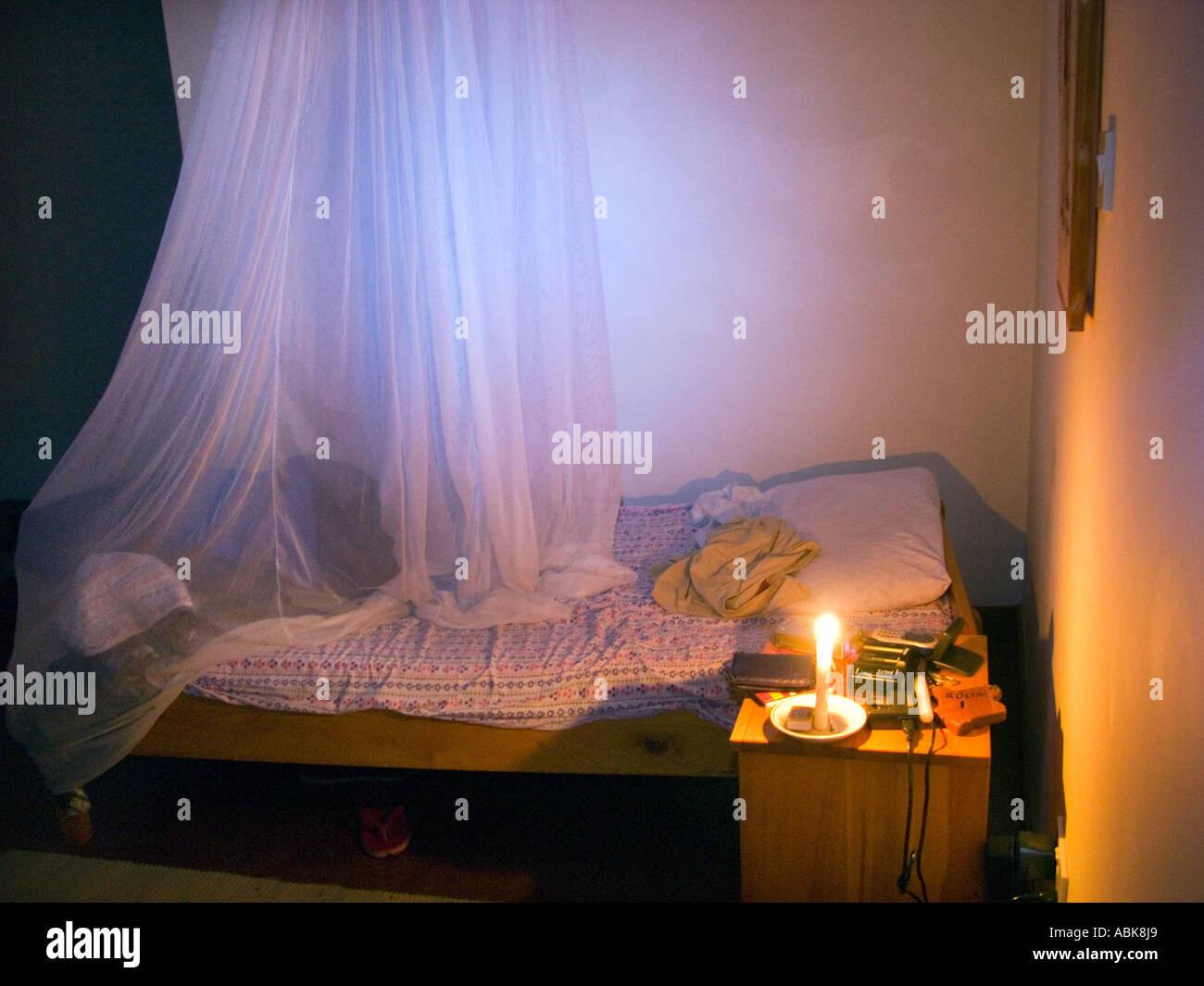 KIBO SLOPE COTTAGE Safari ROOM Bed Bedroom Mosquitonet Mosquito - Light the bedroom candles