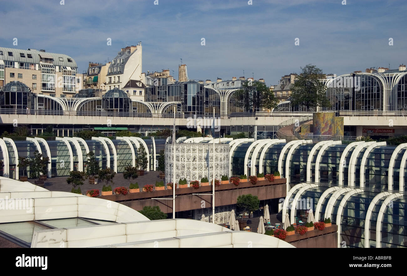 Les halles underground shopping mall paris seen from above stock photo royal - Les halles boutiques ...