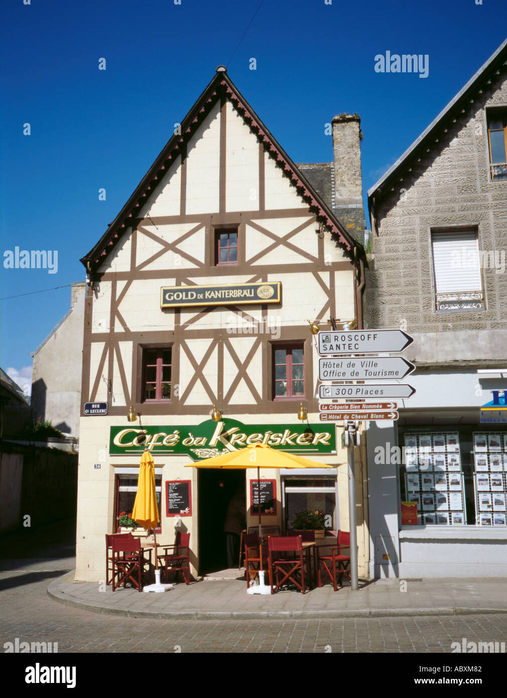 cafe du kreisker on rue g n ral leclerc st pol de l on bretagne stock photo royalty free. Black Bedroom Furniture Sets. Home Design Ideas