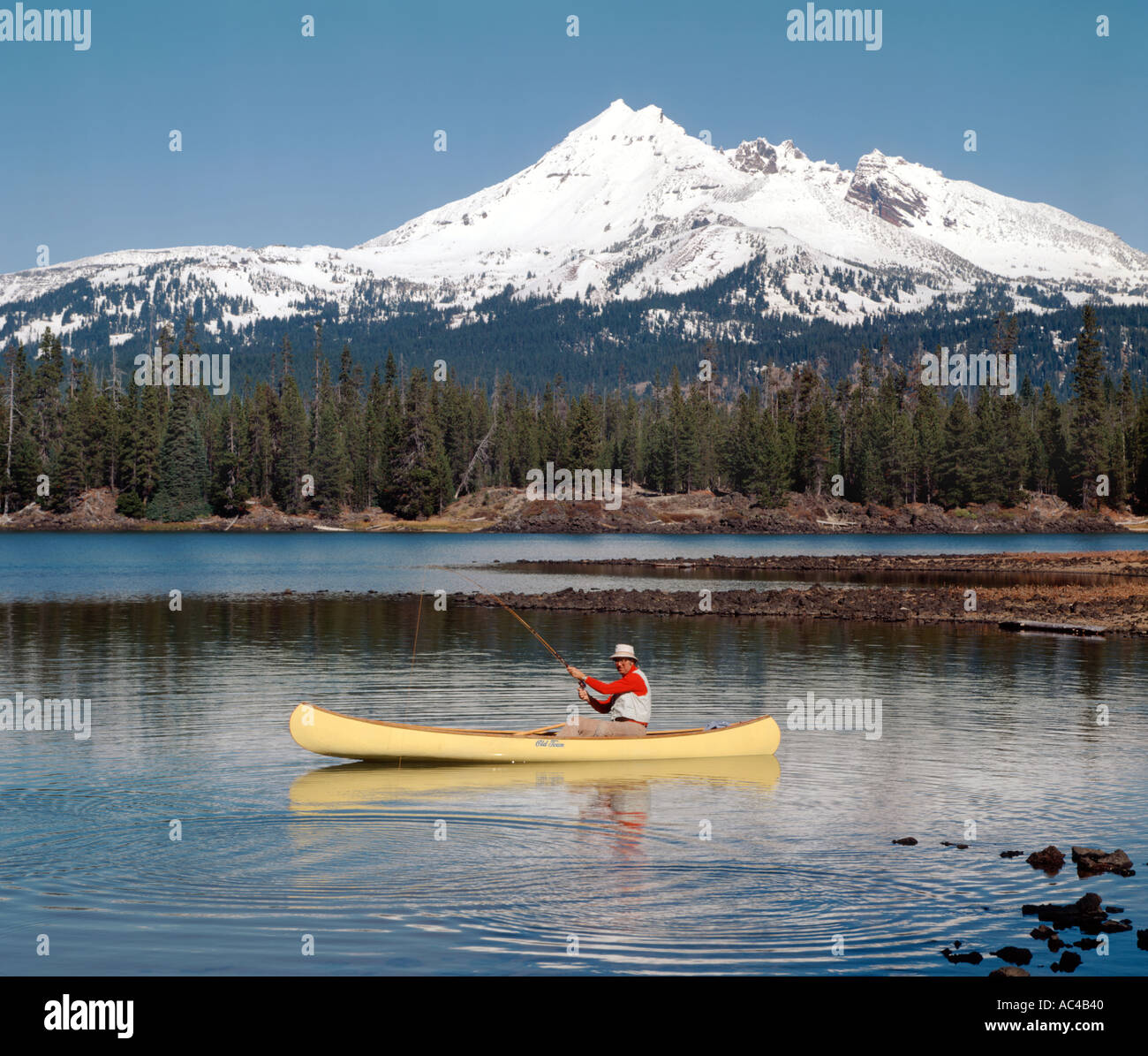 Fly fishing from a canoe at sparks lake with broken top for Fly fishing canoe