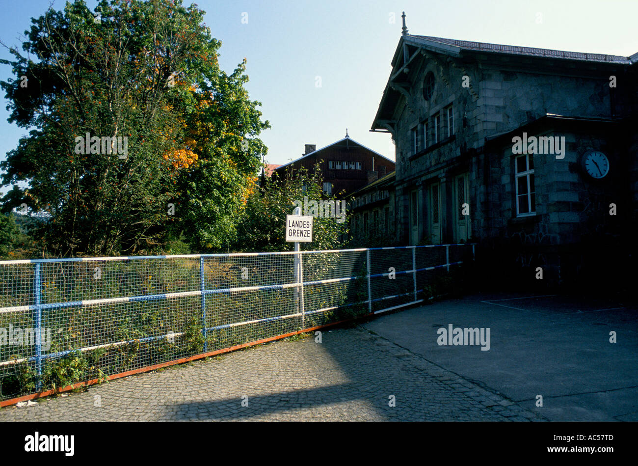 Iron curtain - The Fall Of Communism Iron Curtain Czech German Border At Bayerisch Eisenstein The Rail Station Is Cut In Two By