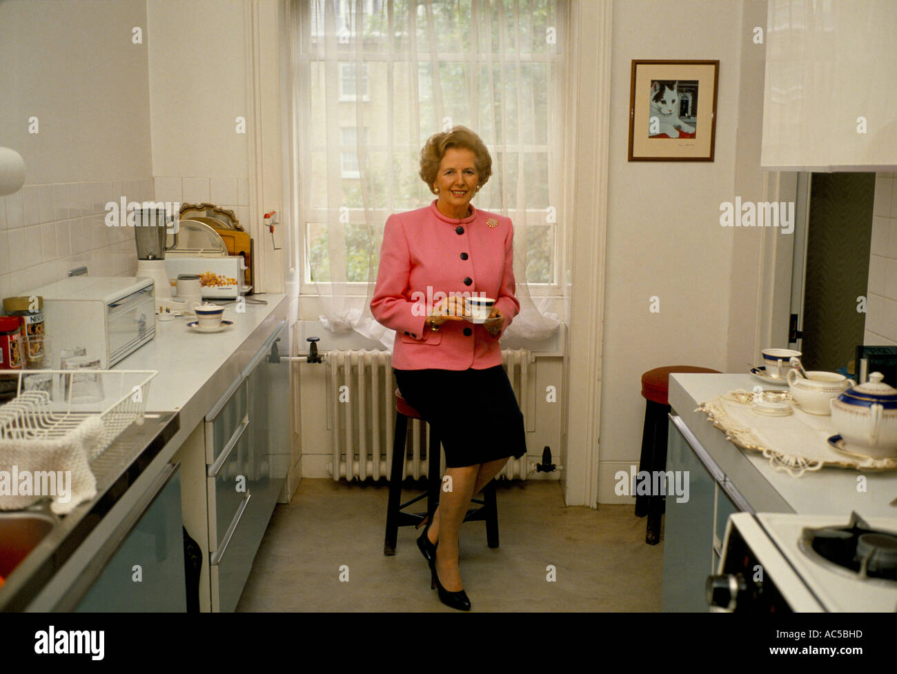 Thatcher Downing Street Margaret Thatcher Having A Cup Of