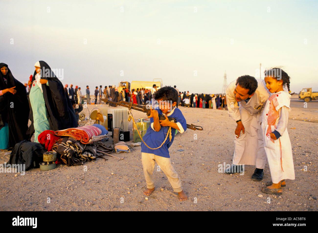 Gulf War 1991 Iraqi Kuwait Stock Photos & Gulf War 1991 Iraqi ...