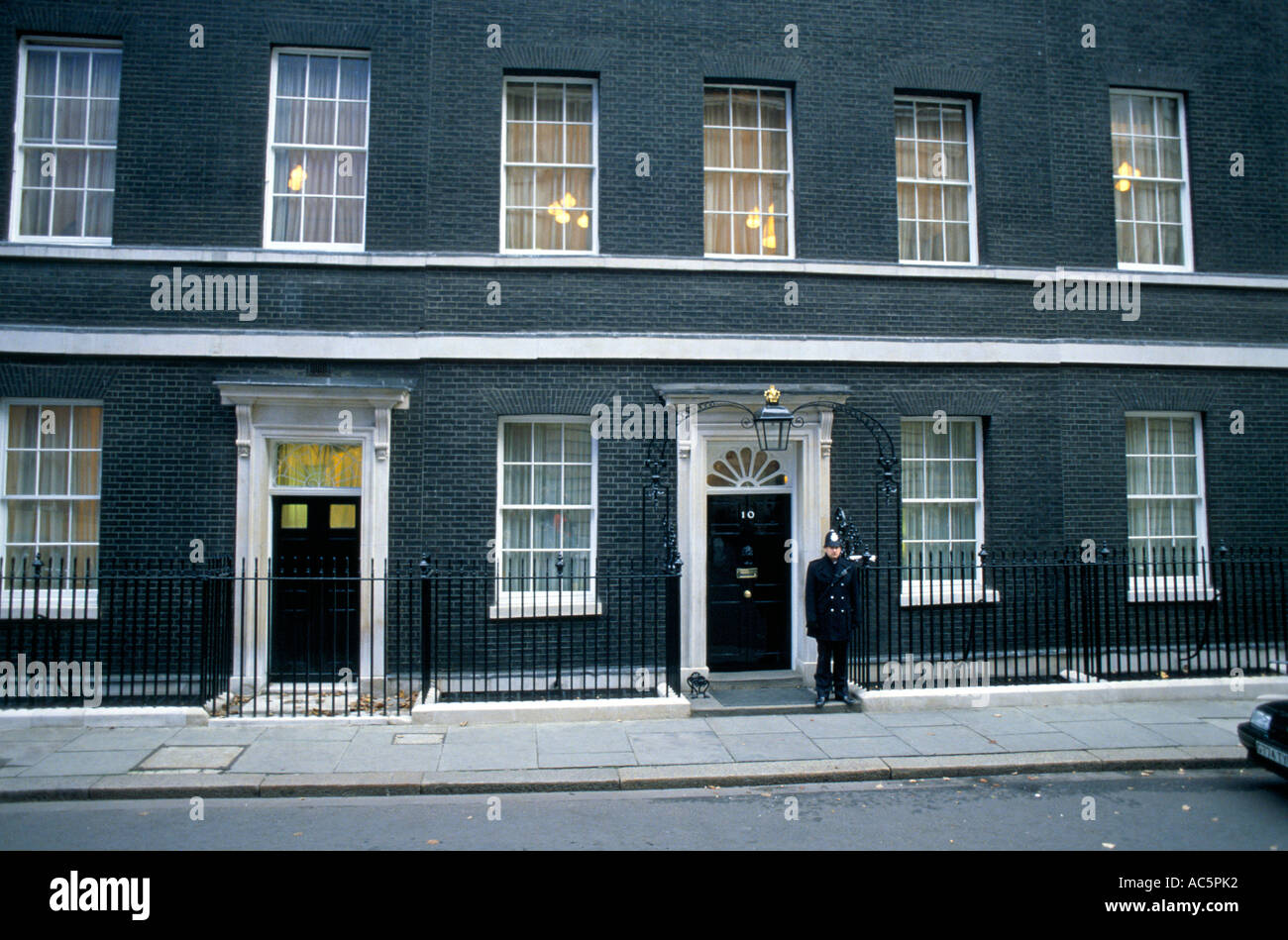 10 downing street london official residence of british prime minister stock photo royalty free. Black Bedroom Furniture Sets. Home Design Ideas