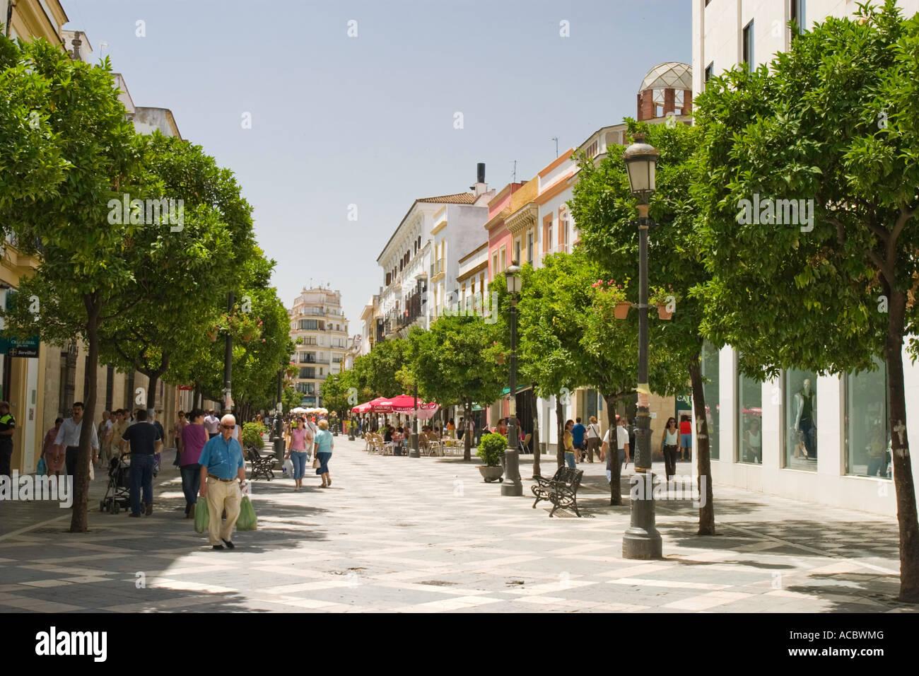 Calle larga jerez de la frontera cadiz andalucia spain for Muebles en jerez dela frontera cadiz