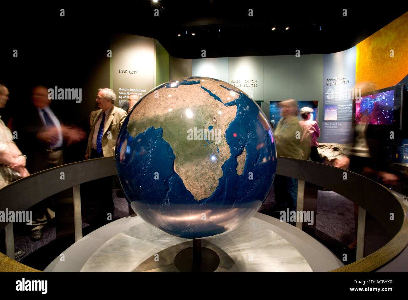 the-peabody-museum-at-yale-university-4-foot-earth-globe-is-one-of-ACBYX0.jpg