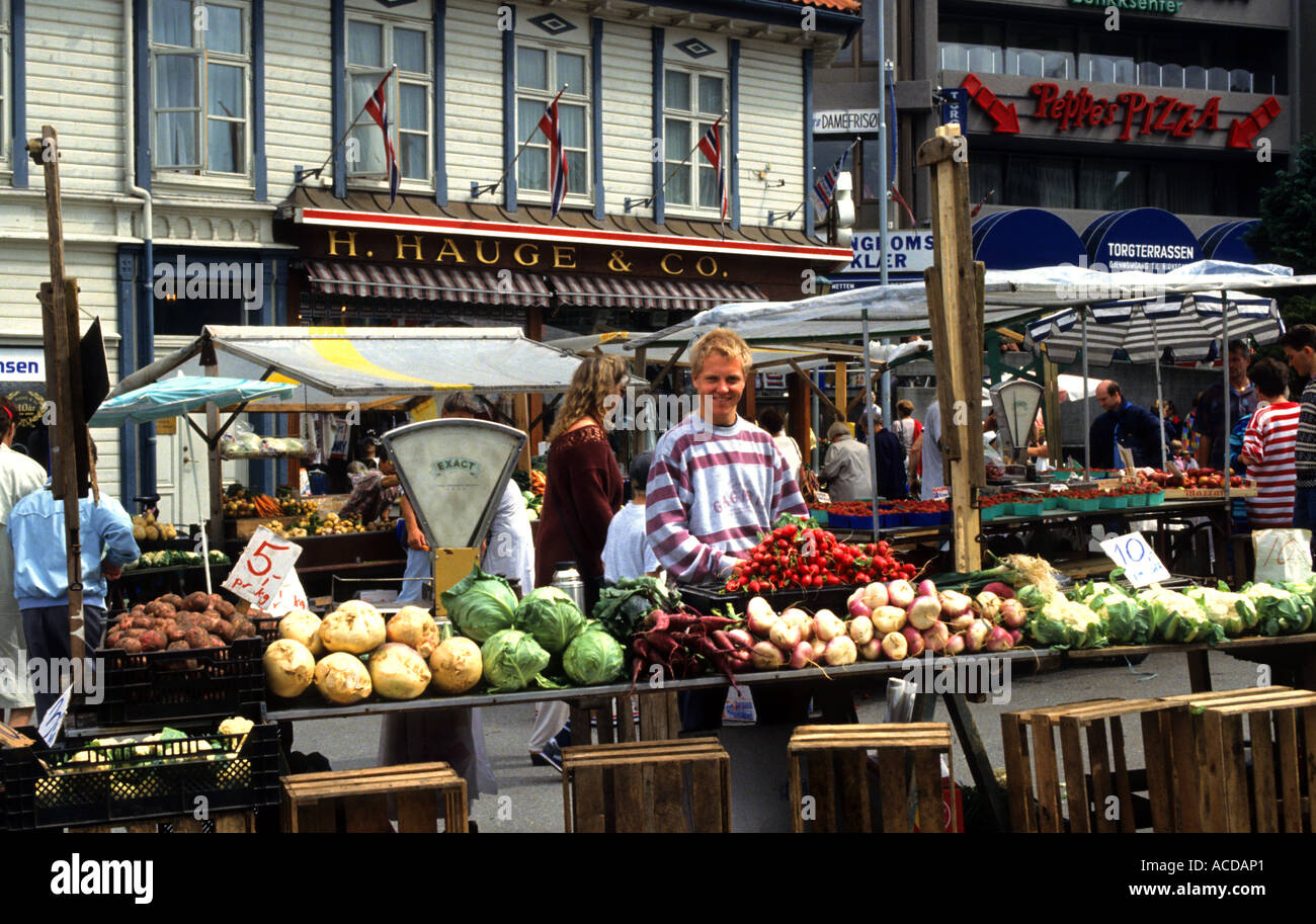 Norway stavanger greengrocer market food vegetables for Food bar stavanger