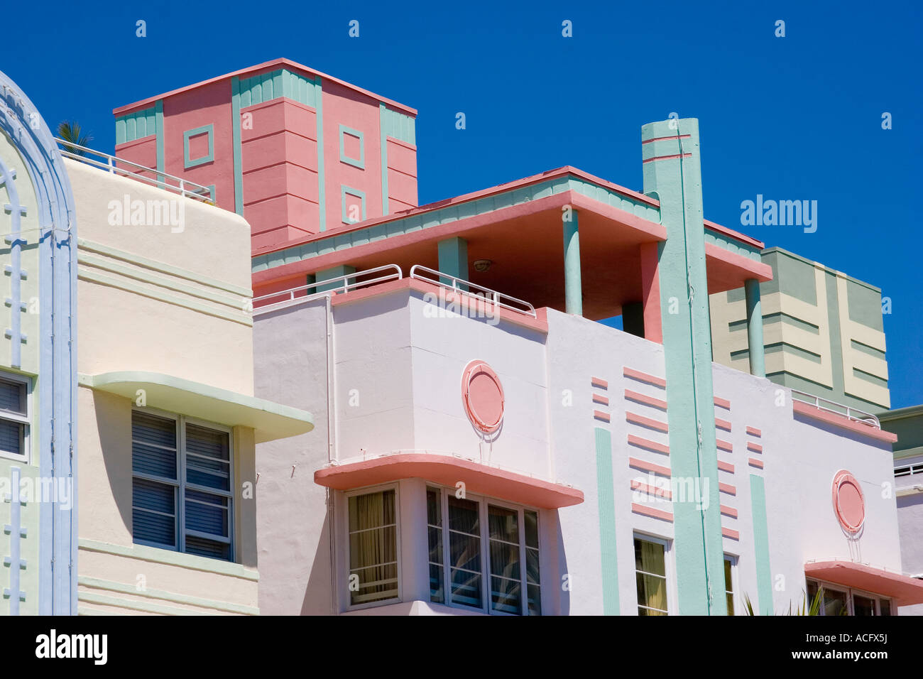 Detail of pastel colored hotels in art deco architecture for Architecture art deco