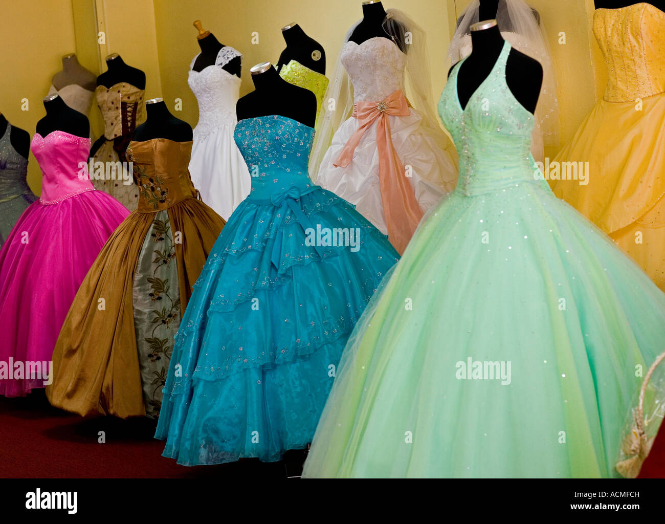 Gowns in downtown los angeles - Dresses For Weddings And Quinceanera Bridal Shop Broadway Downtown Los Angeles California United States Of America