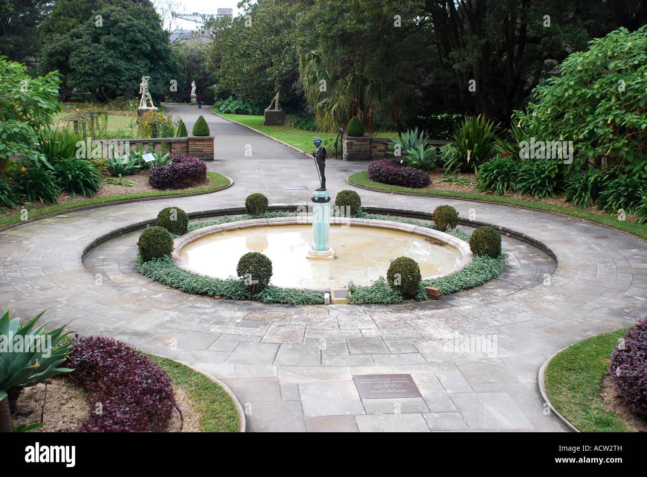 Water feature in botanical gardens sydney australia stock for Garden features australia