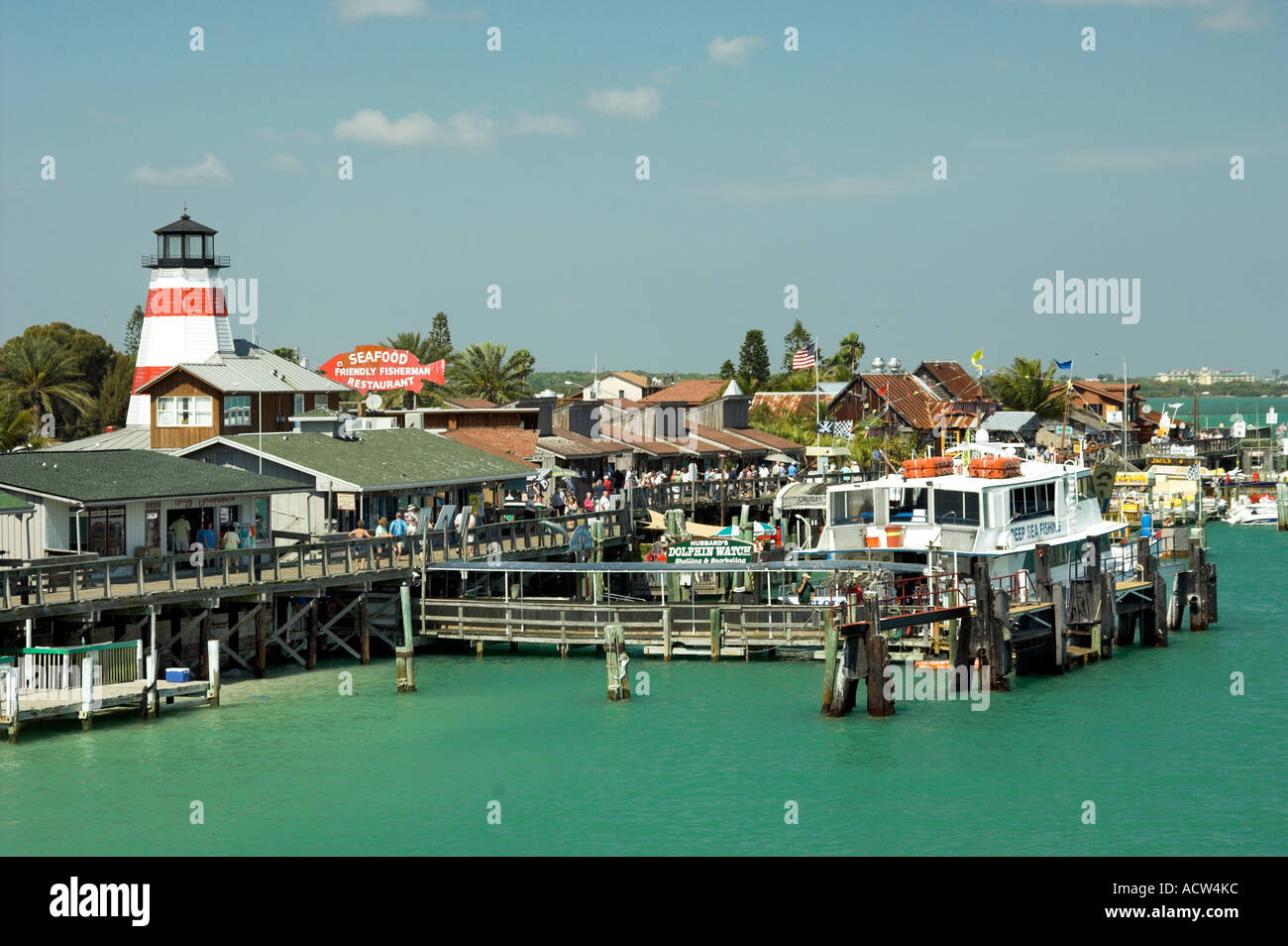 Harbor activites at the historic fishing village of st for Johns pass fishing
