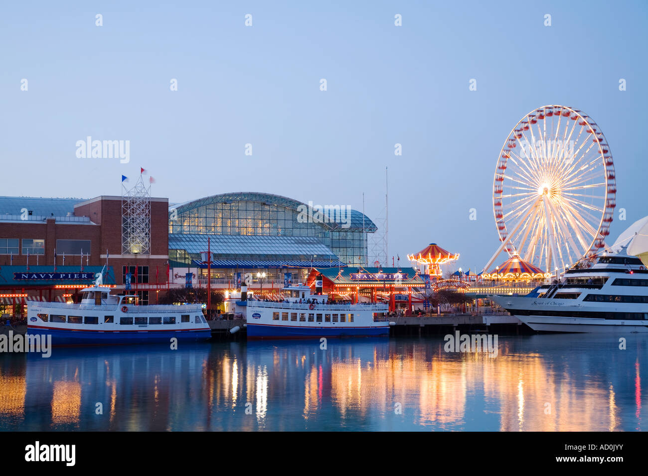 CHICAGO Illinois Water Taxis And Boats Docked At Navy Pier Ferris - Chicago map navy pier