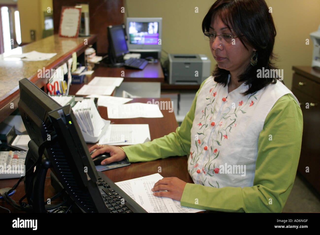 Portsmouth virginia hawthorn suites asian female receptionist portsmouth virginia hawthorn suites asian female receptionist computer job sciox Images