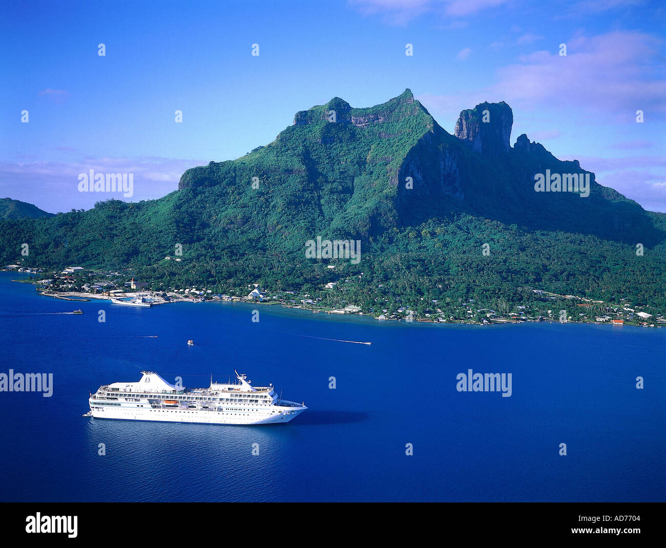 FRENCH POLYNESIA GASTRONOMIC CRUISE ON M S PAUL GAUGUIN AERIAL OF - Ms paul gauguin