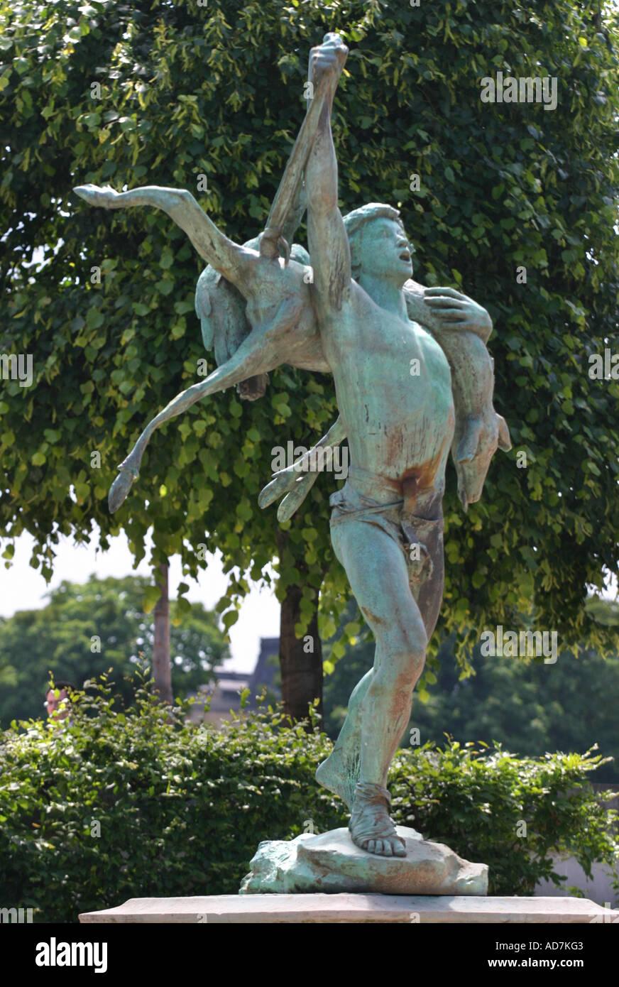 Retour de chasse statue 1888 by antonin carl s at the jardin des stock photo royalty free - Statues jardin des tuileries ...