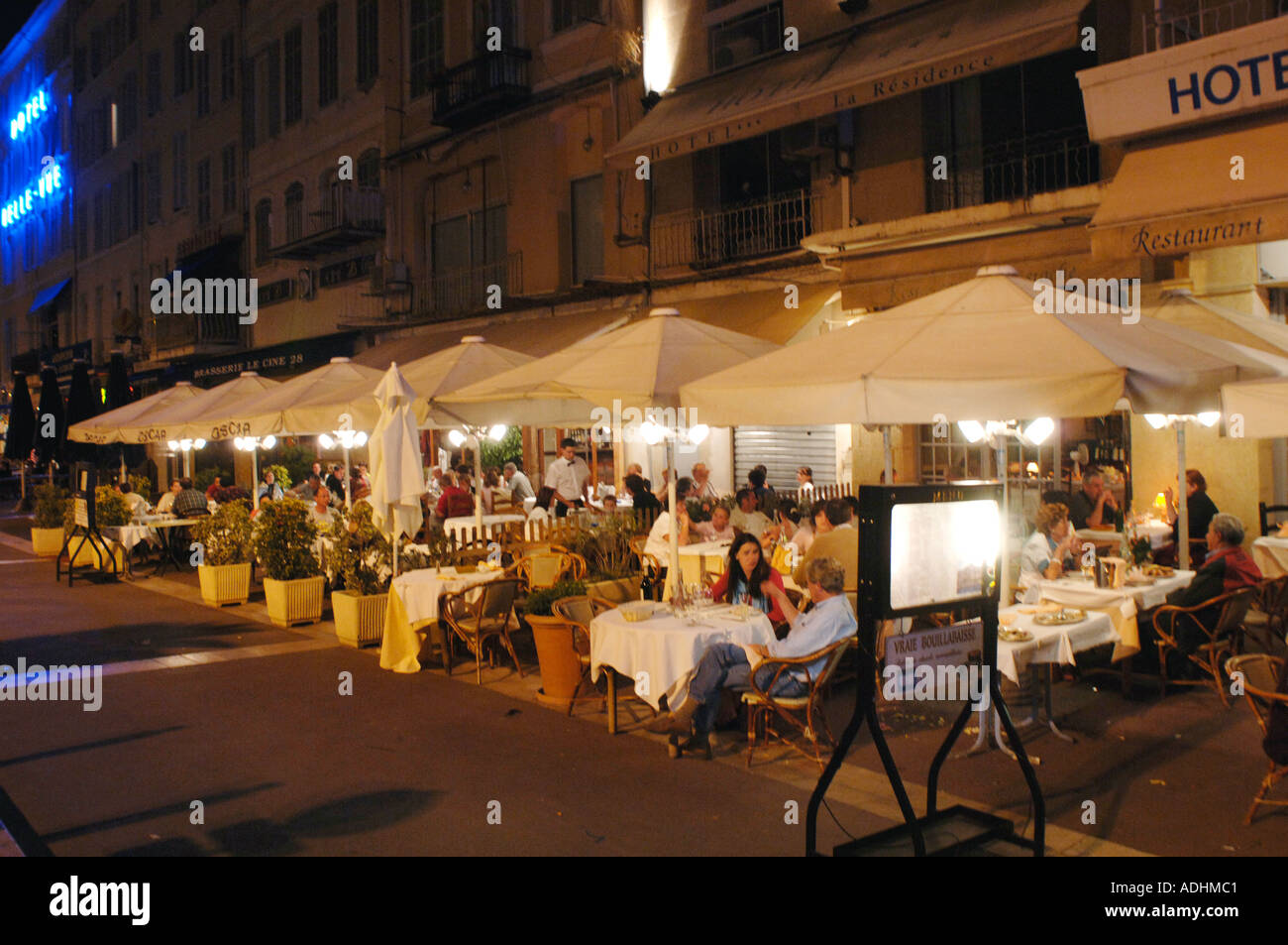France marseille le vieux port the old port outdoor dining - Restaurant bouillabaisse marseille vieux port ...