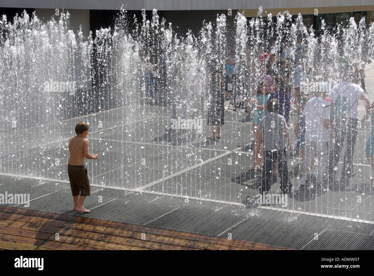 London Southbank Complex Appearing Rooms Boxed Water Fountain Feature Stock Photo