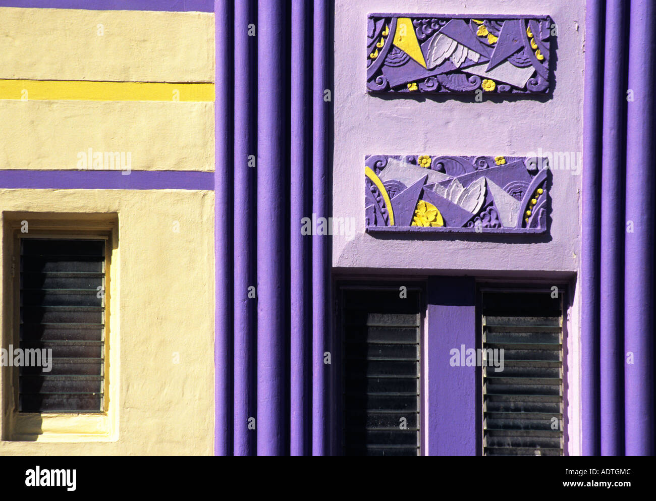 Miami Beach Art Deco Painted Building Facade Restored Detail  # Decoration Facade Tv Plasma