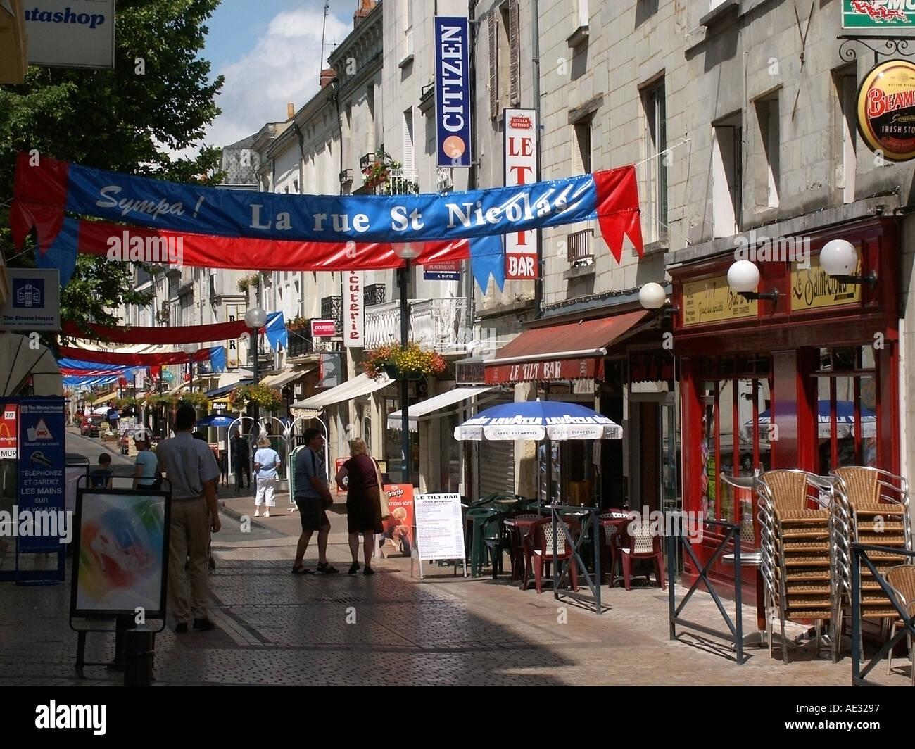 Loire valley and centre france maine et loire saumur town for Camping maine et loire avec piscine