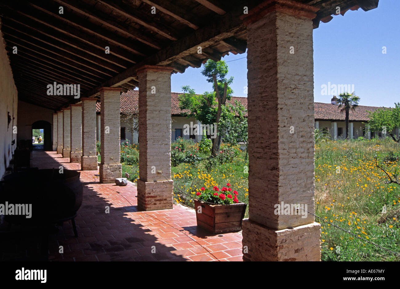 California mission style architecture - Spanish Style Walkway Courtyard At Mission San Antonio De Padua Built By Father Junipero Serra In 1771 California