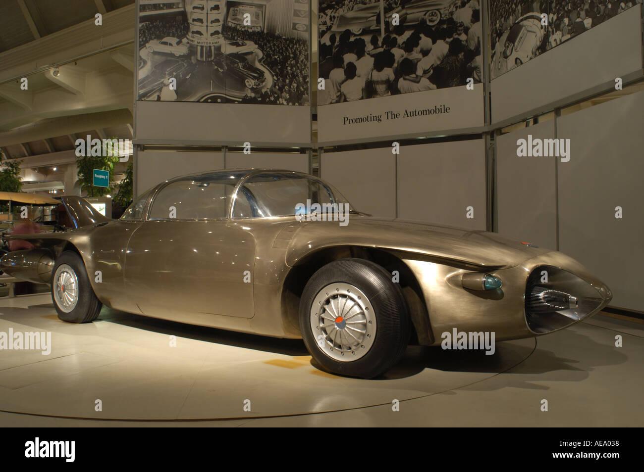 1956 GMC Firebird II Titanium Concept - conceptcarz.com