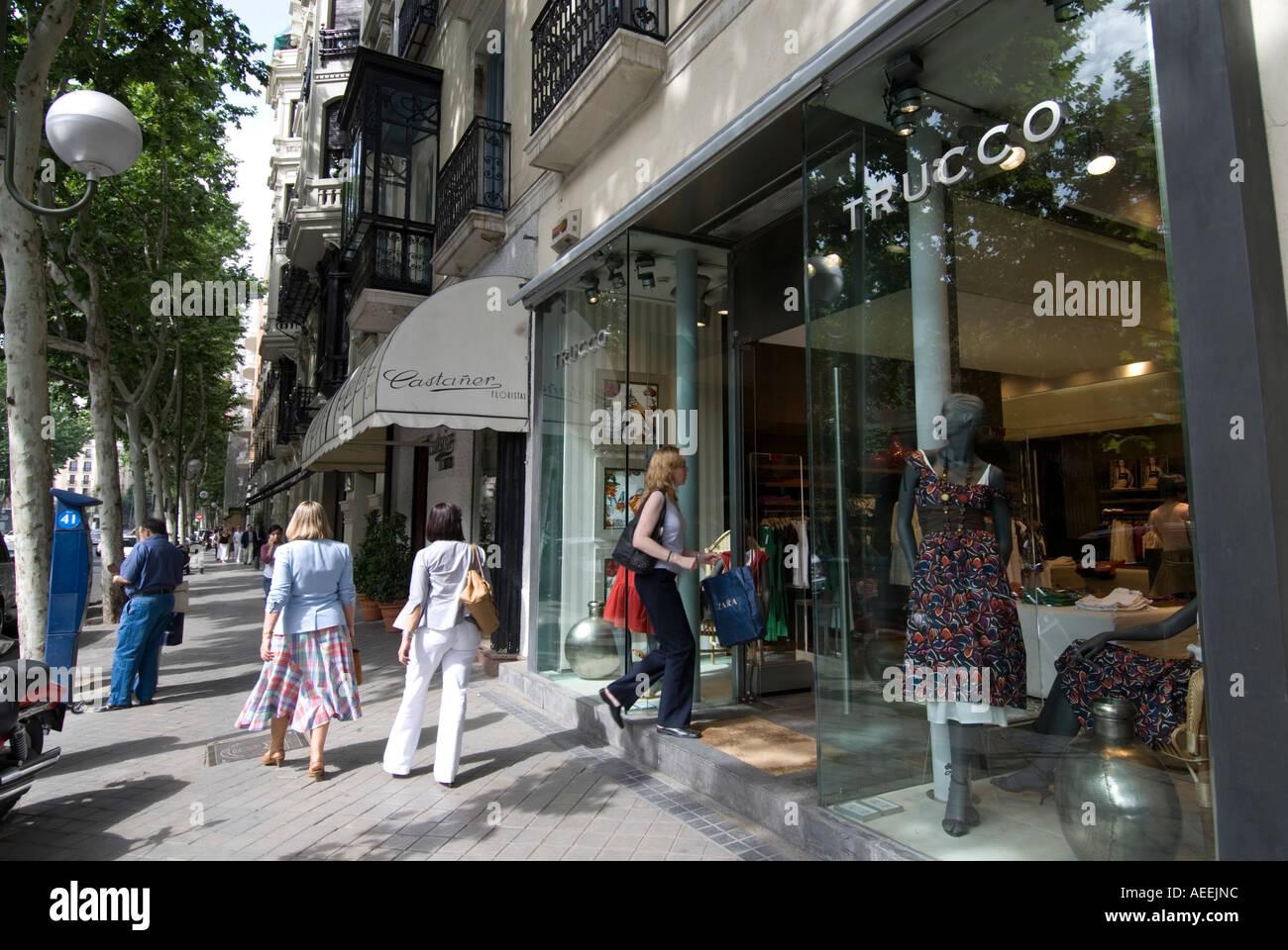 Shopping in calle de serrano in the salamanca district - Calle serrano 55 madrid ...