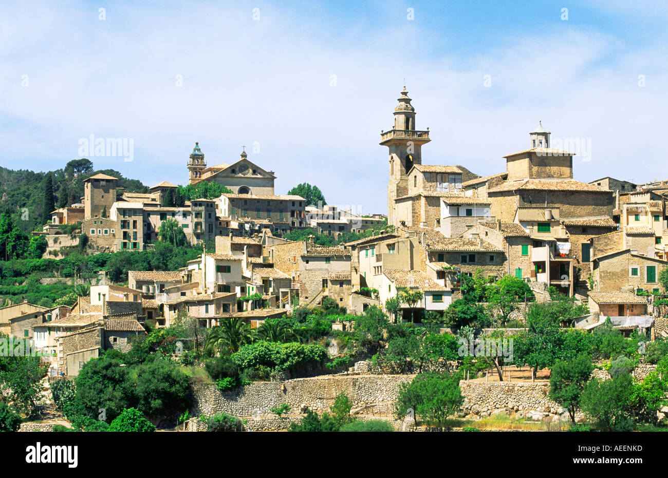 Old hill town of valldemossa on northwest coast of for Valldemossa mallorca