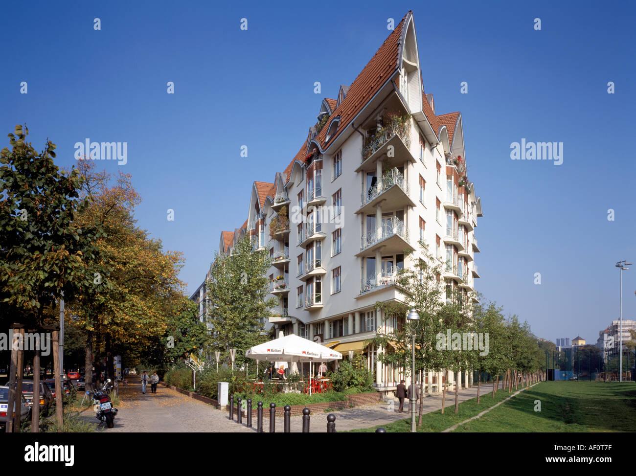 Berlin charlottenburg schlo stra e neue blockbebauung for Familienhaus berlin