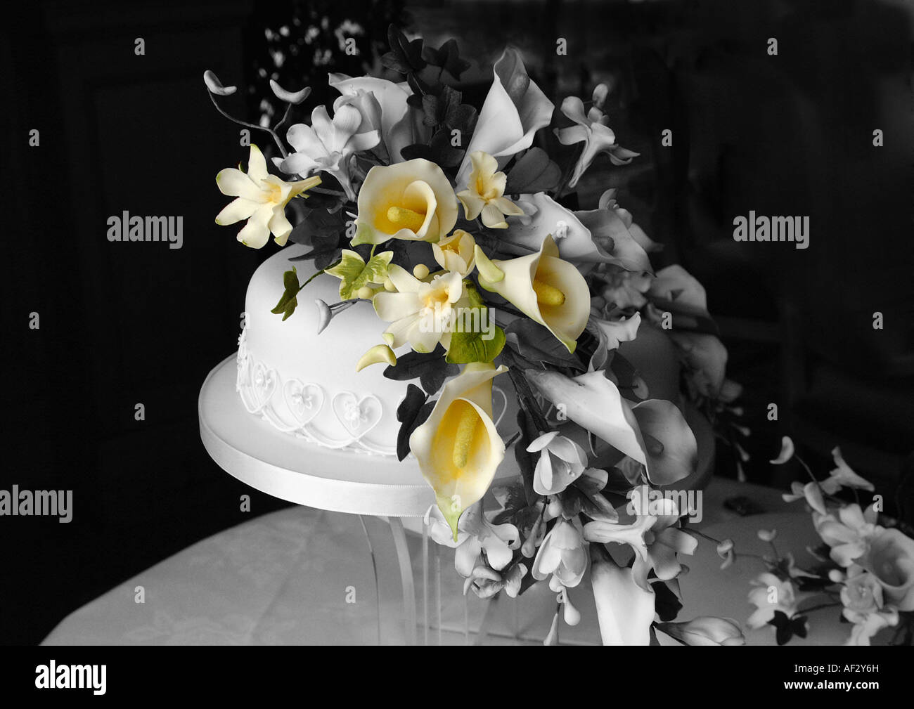 Wedding cake in black and white with some sugar flowers in colour stock photo wedding cake in black and white with some sugar flowers in colour dhlflorist Image collections
