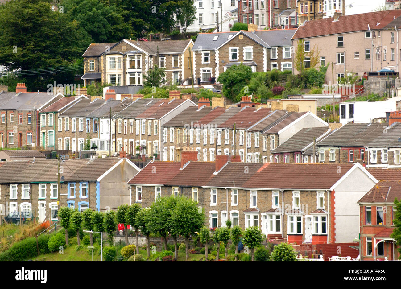 Terraced houses in the village of new tredegar south wales for New terrace house