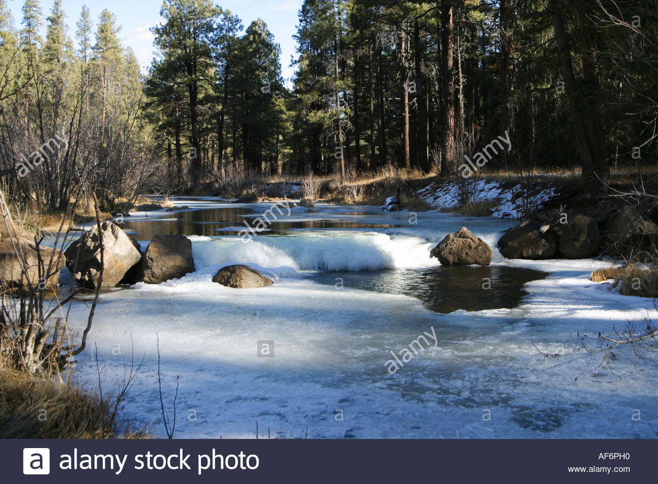winter-scene-on-east-fork-of-black-river-in-the-white-mountains-of-AF6PH0.jpg