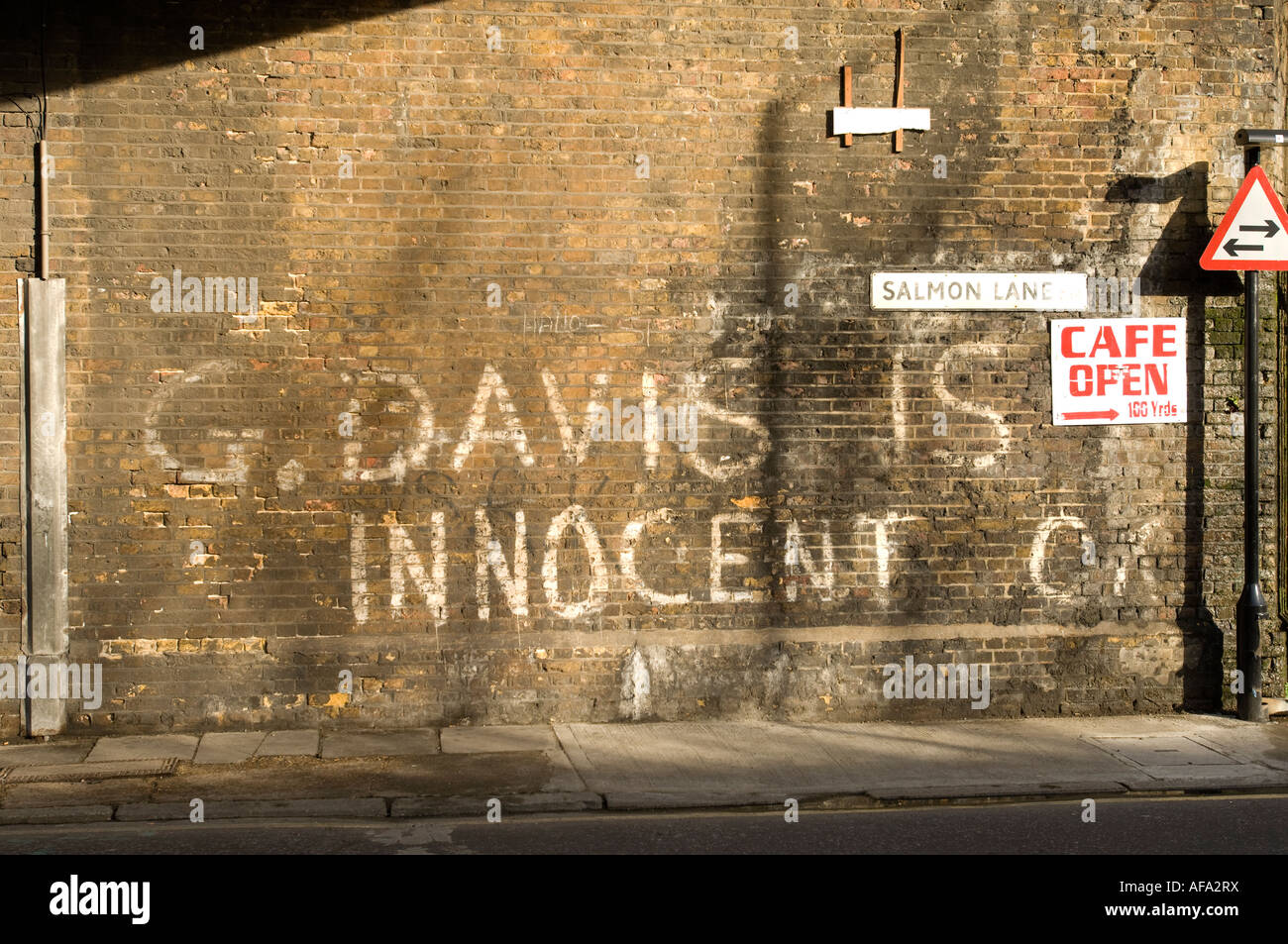 Graffiti wall reading - Graffiti Reading G Davis Is Innocent Referring To Gaoled East End Armed Robber Salmon Lane East London