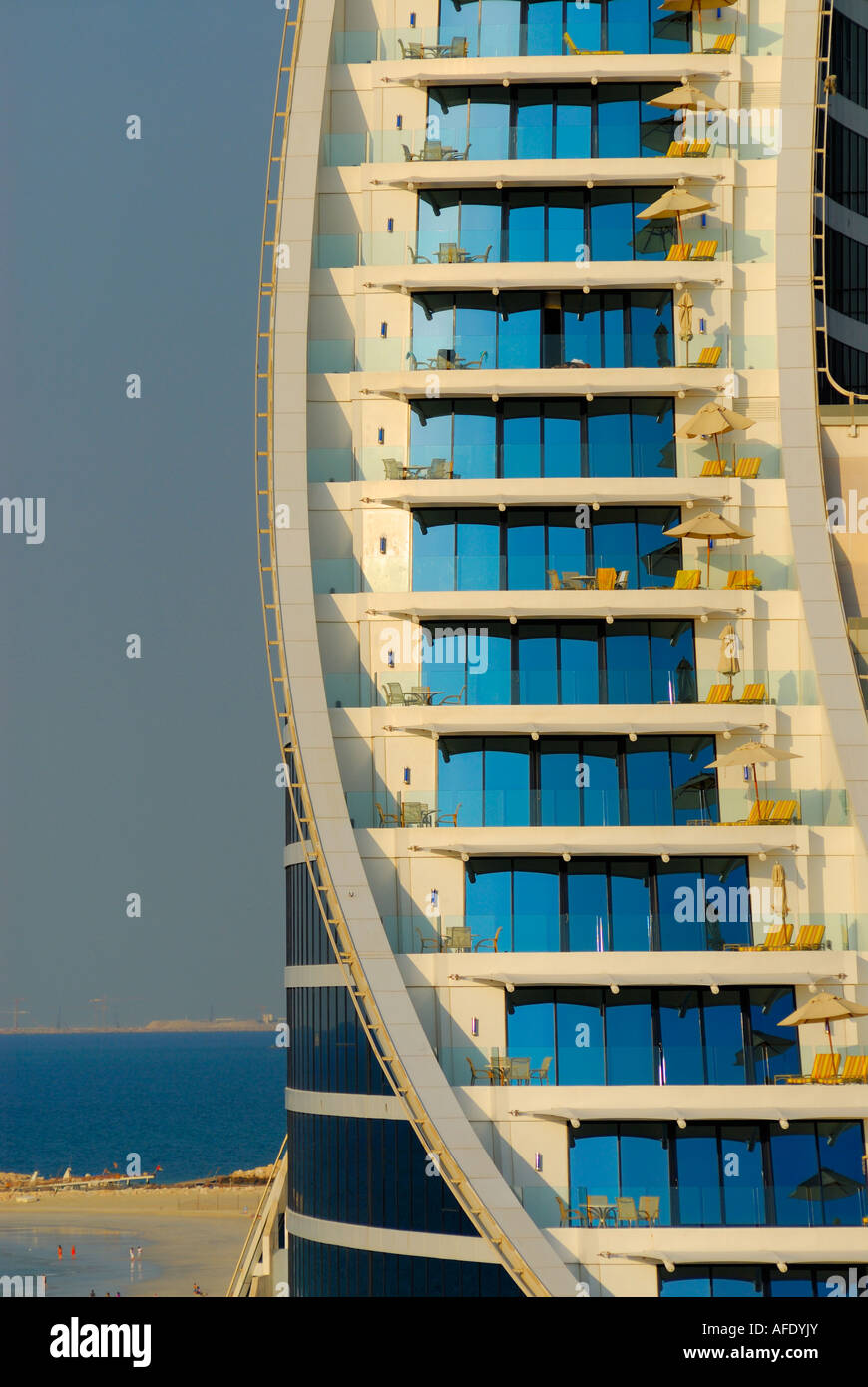 Rooms with balcony jumeirah beach hotel dubai united for Hotels with balconies