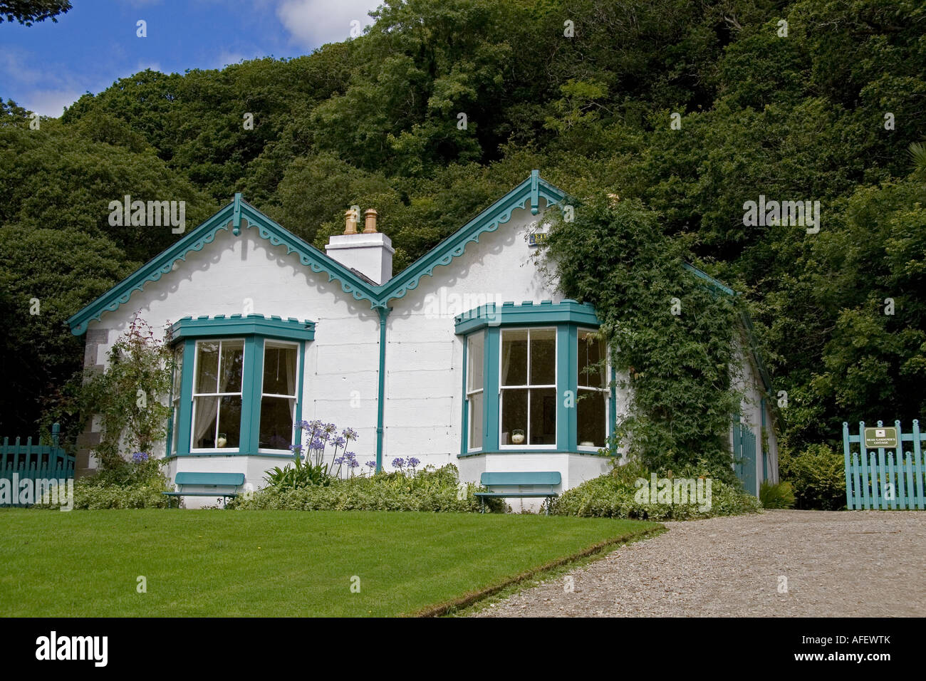 Head gardeners house victorian walled garden kylemore for Victorian garden house