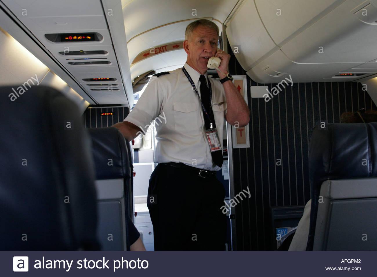 Orlando Florida Airport Delta commuter - 107.2KB