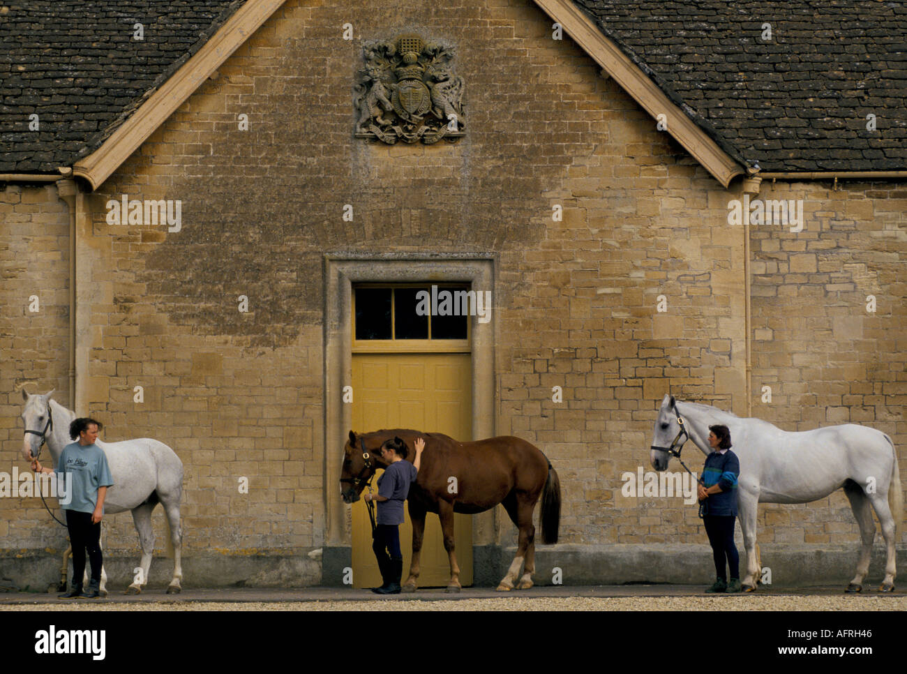 Duke Of Beaufort Hunt Badminton Estate Gloucestershire Stable - Before and after achorse stable