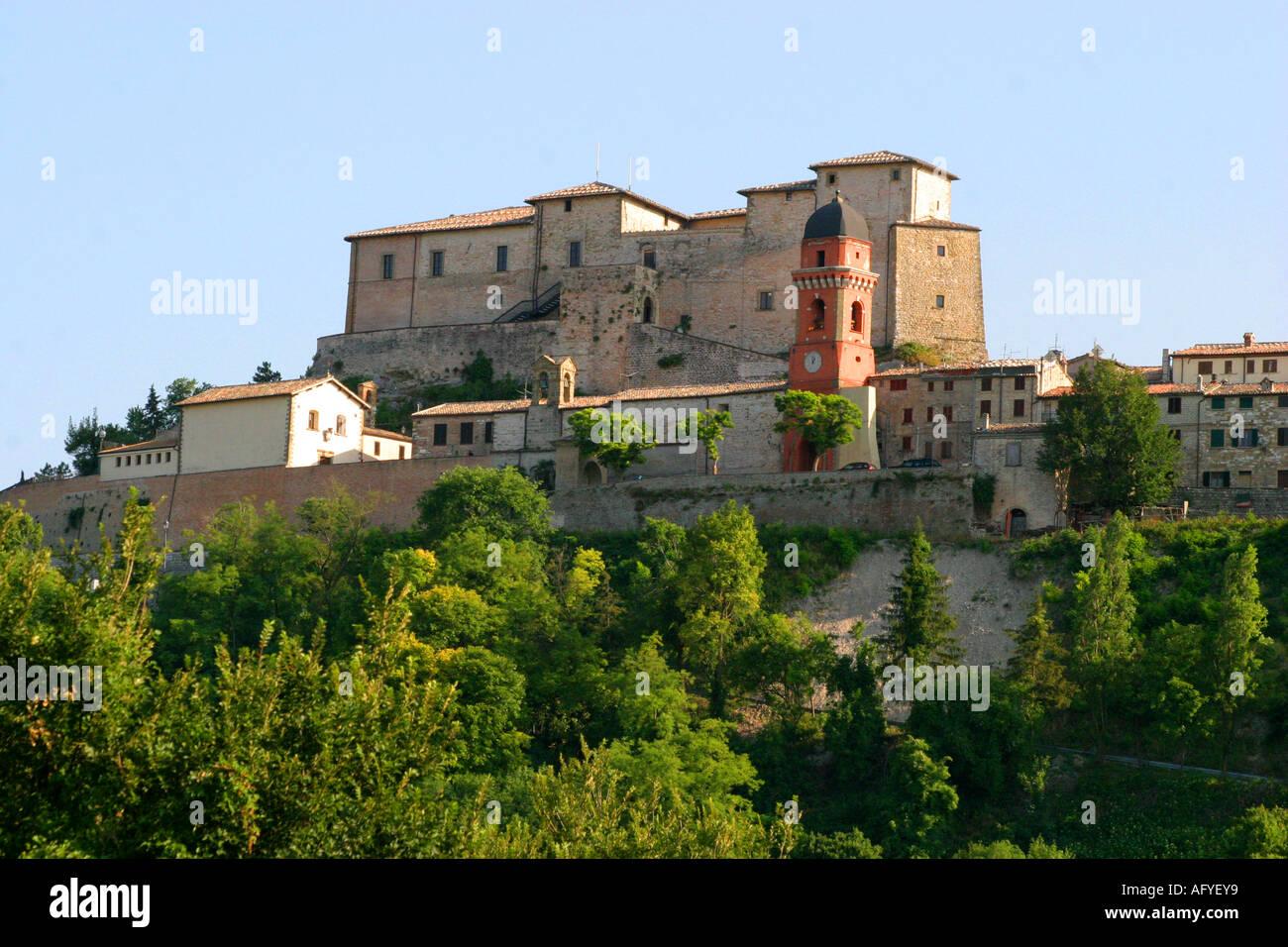 Historic castello di frontone art centre in le marche for Castello di frontone