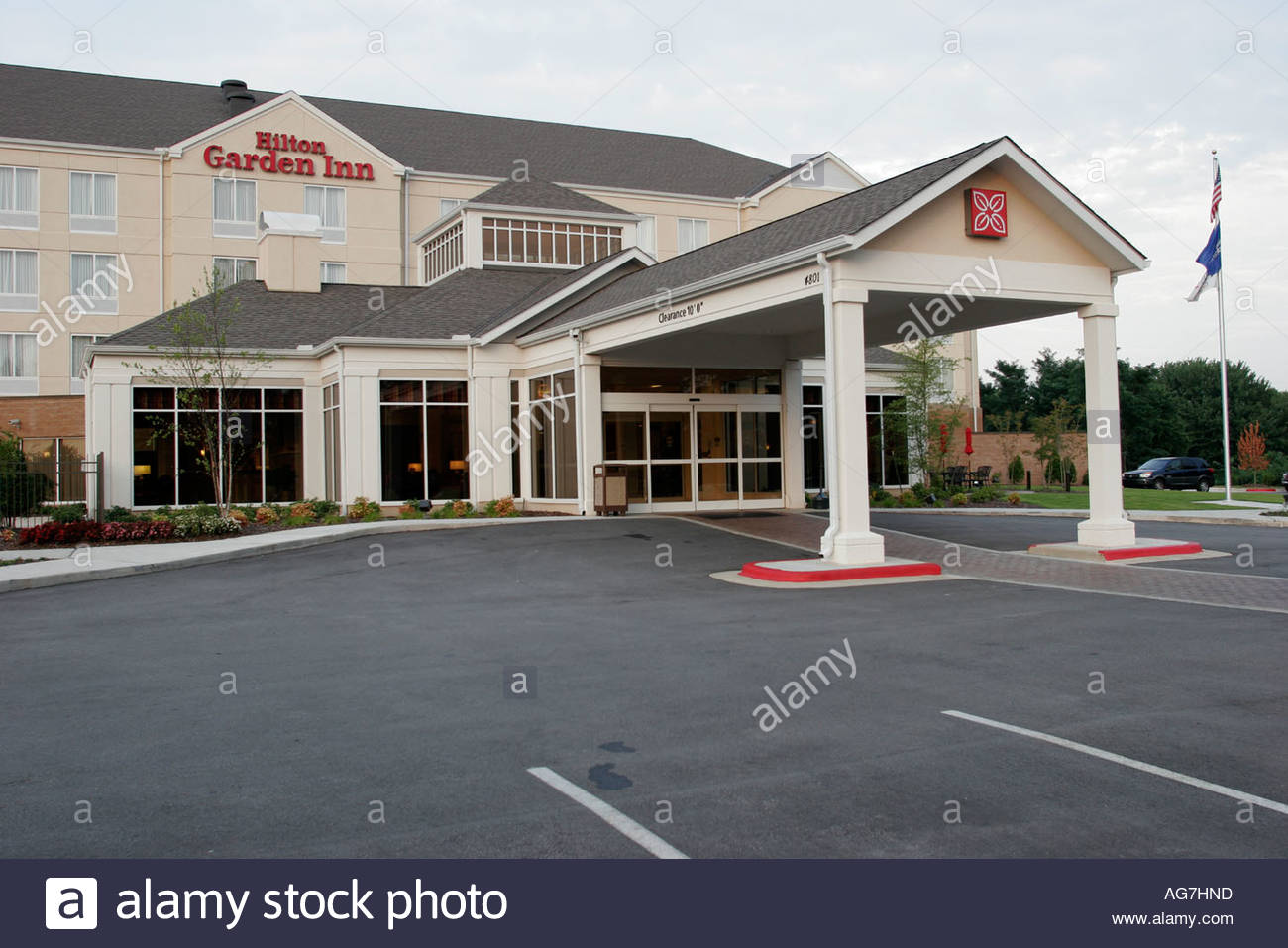 Huntsville Alabama Hilton Garden Inn Motel Entrance Parking Lot