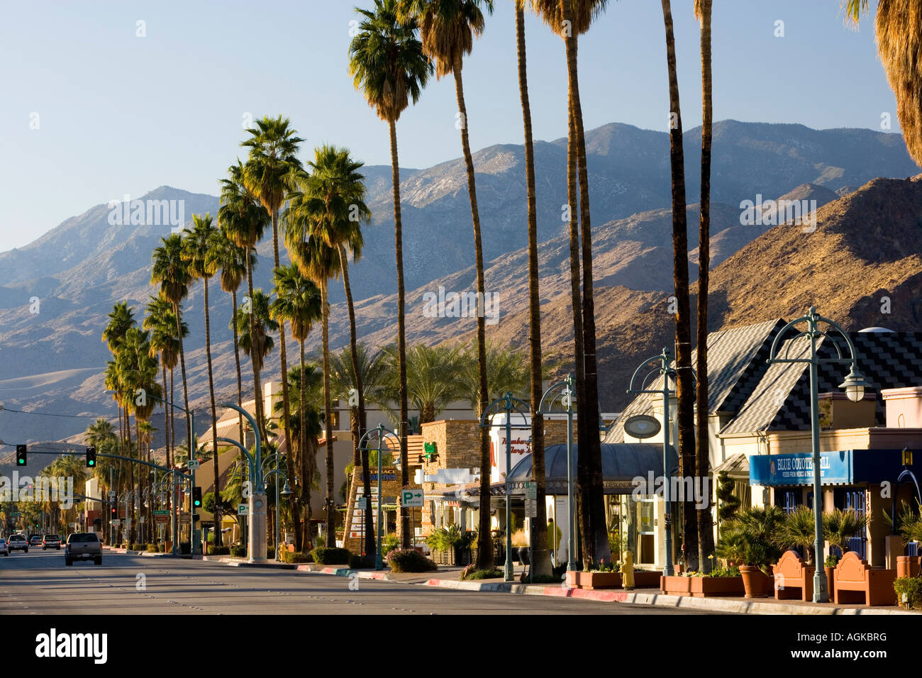 North palm canyon drive in palm springs california usa for Shopping in palm springs ca