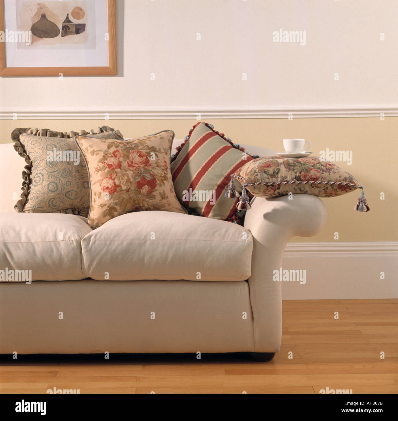 Living Room Decorating Ideas With Dado Rail dado rail stock photos & dado rail stock images - alamy