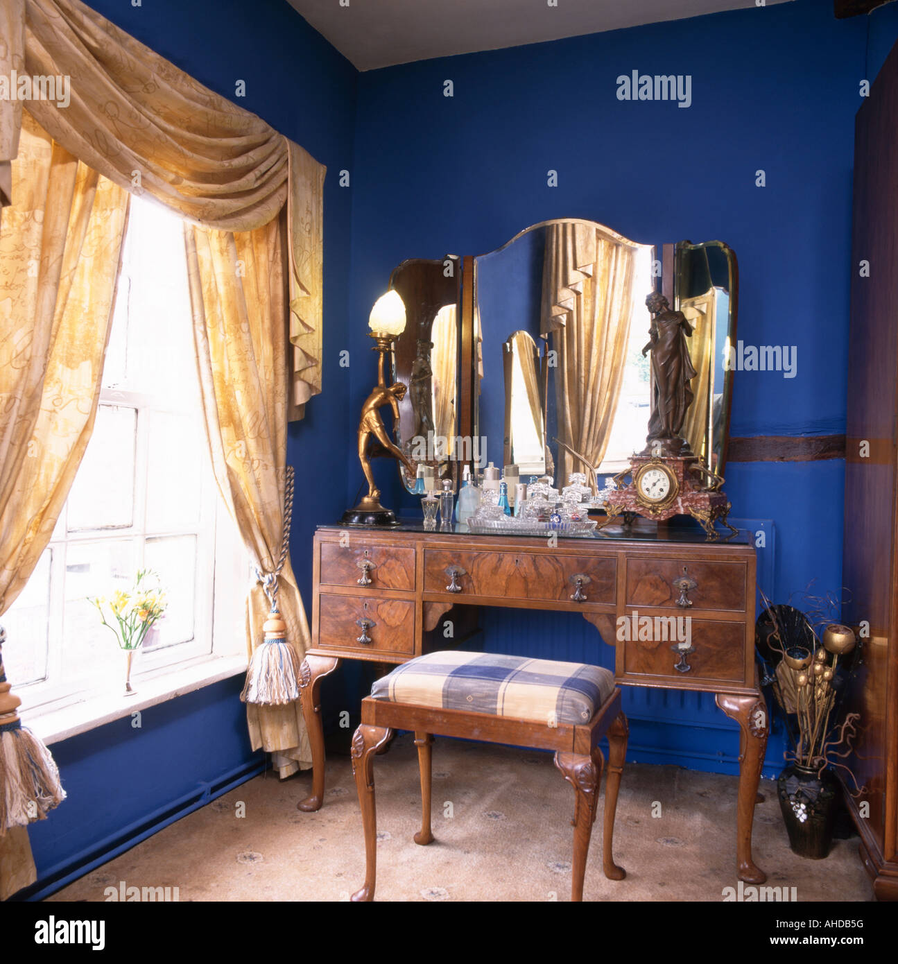 Antique dressing table with mirror - Antique Dressing Table With Triple Mirror In Blue Eighties Bedroom With Swagged And Tailed Curtains
