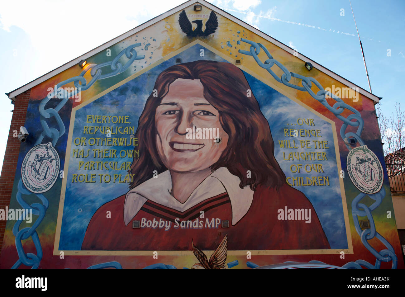 Bobby sands memorial mural painted on the gable wall of for Bobby sands mural