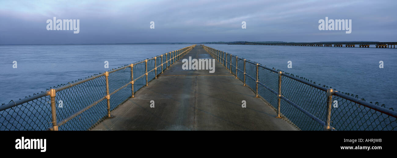 Fishing pier south carolina stockfoto lizenzfreies bild for Hilton head fishing pier