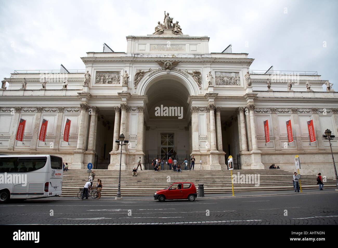Palazzo delle esposizioni on via nazionale rome lazio for Palazzo delle esposizioni rome italy