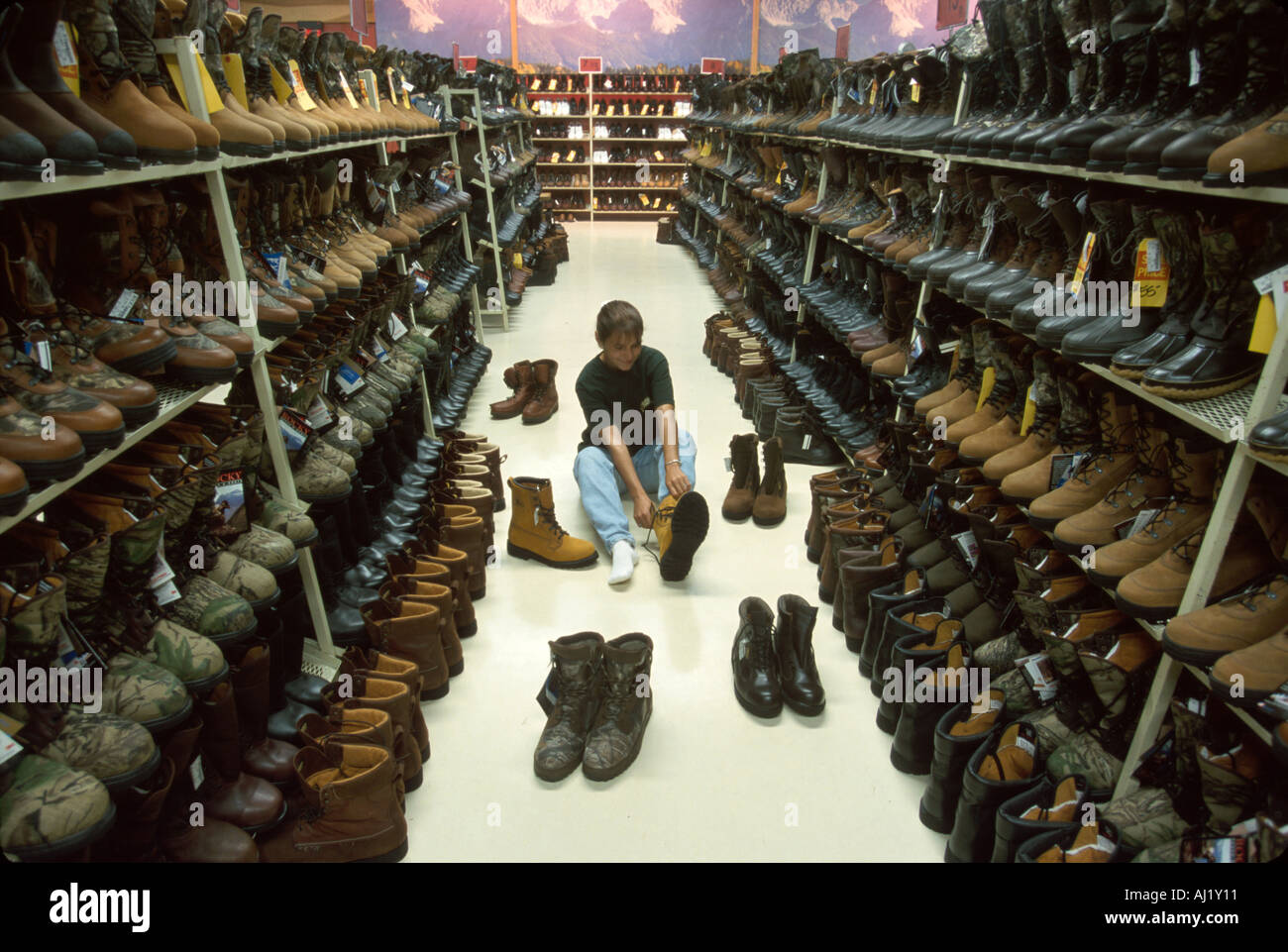 Ohio Nelsonville Rocky Shoes & Boots Factory Outlet shopper in ...