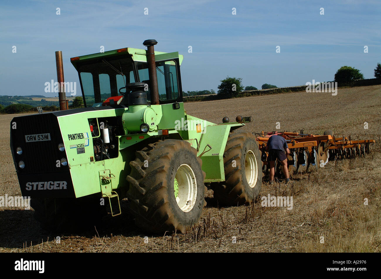 Tractor Pulling Train : Steiger tractor pulling cultivation tools in train